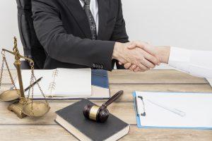 ¿Por qué un abogado debe estudiar una maestría en derecho?
