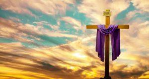 La Iglesia Católica menciona que en el Sábado de Gloria, Jesús entregó su cuerpo y derramó su sangre para el perdón de los pecados y para la salvación de los hombres.