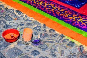 La Semana Santa corresponde en el antiguo calendario indígena, al mes de Hueytozoztli donde se honraban a los dioses del maíz Centéotl y Chicomecóatl (Hombre y mujer) a quienes se les ofrecían mazorcas del año anterior, para convertirlas en semilla.